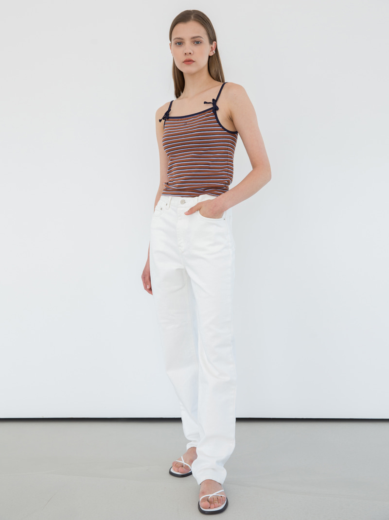 SLIM STRAIGHT JEANS (WHITE)