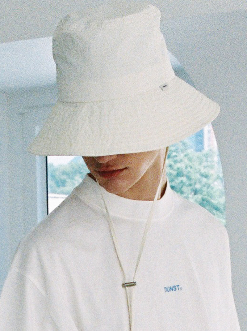 UNISEX WIDE BRIMMED BUCKET HAT (WHITE)