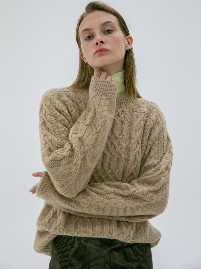 UNISEX CABLE KNIT SWEATER BEIGE