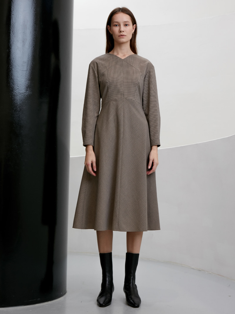 V-NECK LONG SLEEVE FLARED DRESS (CHECK)
